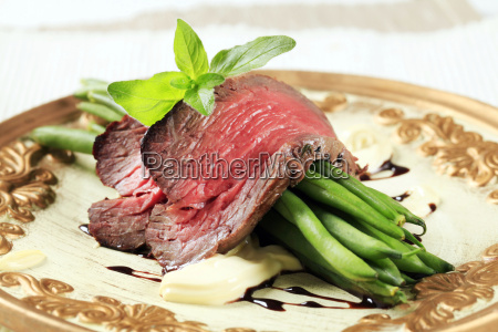 roast, beef, and, string, beans - 14079247