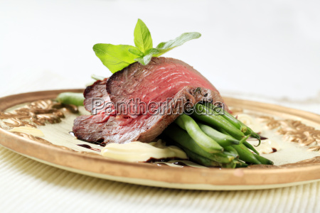 roast, beef, and, string, beans - 14079251
