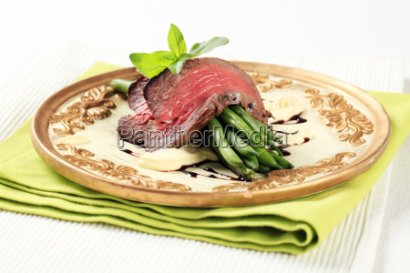 roast, beef, and, string, beans - 14079261