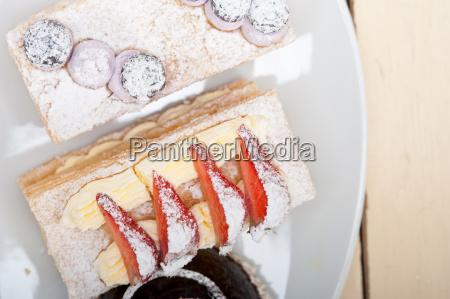 selection, of, fresh, cream, cake, dessert - 14079017