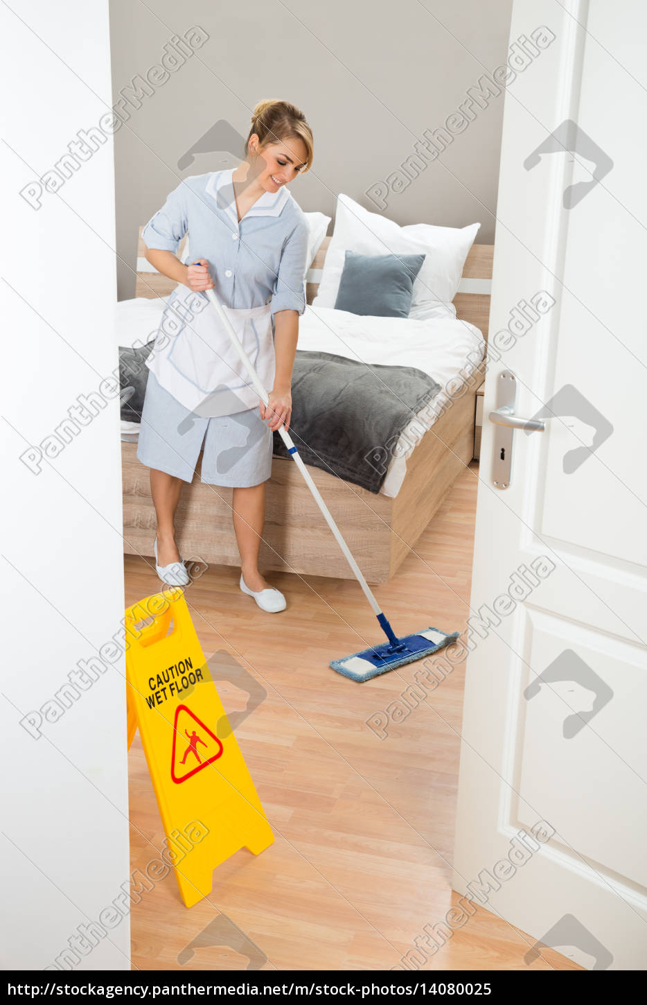 maid, cleaning, floor, with, mop - 14080025