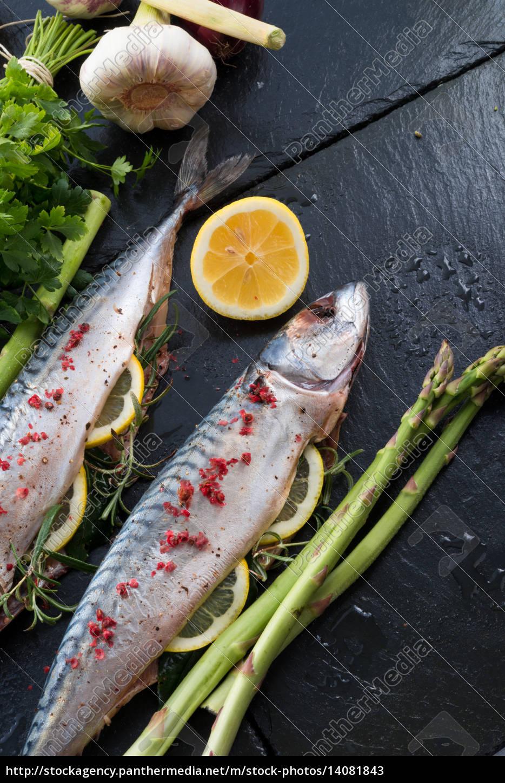 mackerel, with, green, asparagus - 14081843