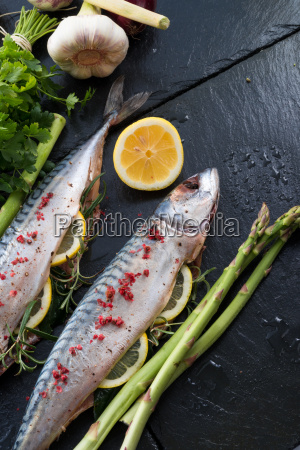 mackerel, with, green, asparagus - 14081843