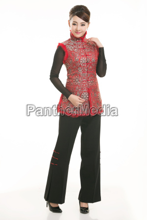 wearing, chinese, clothing, waiter, in, front - 14081269