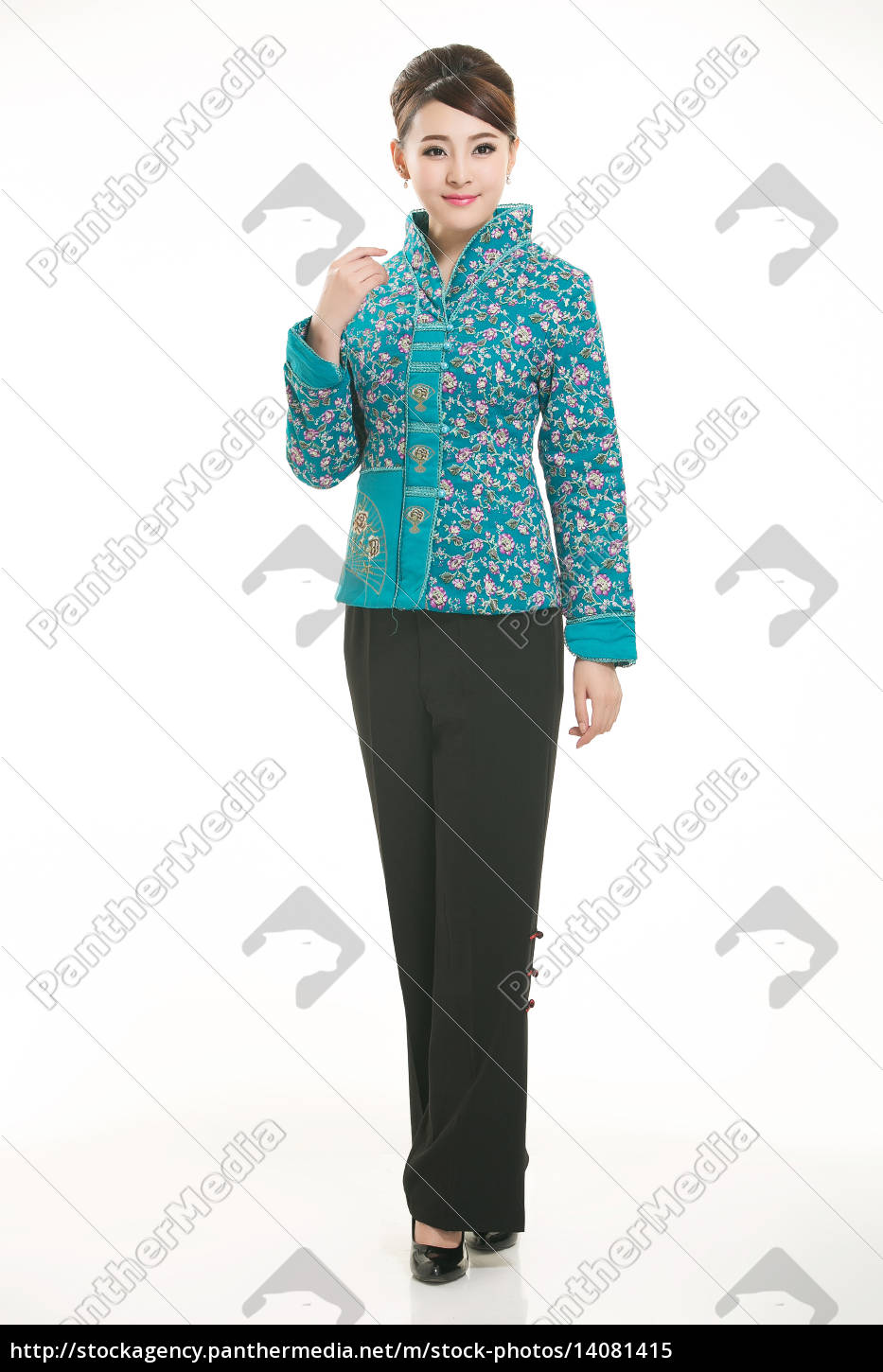 wearing, chinese, clothing, waiter, in, front - 14081415