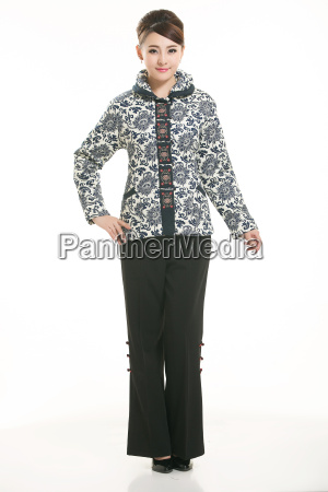 wearing, chinese, clothing, waiter, in, front - 14081629