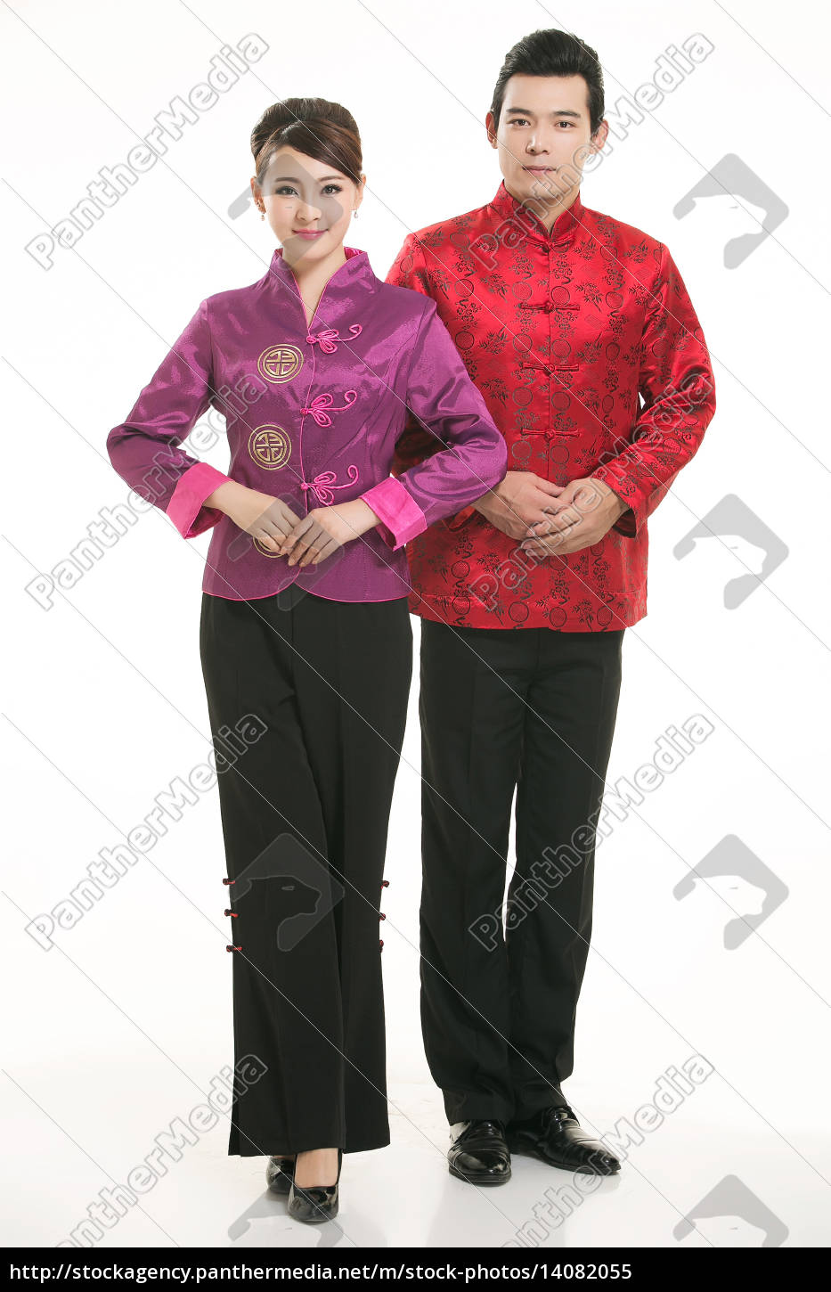 wearing, chinese, clothing, waiter, in, front - 14082055