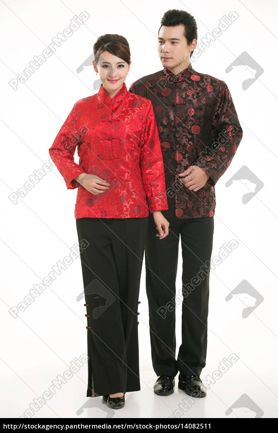 wearing, chinese, clothing, waiter, in, front - 14082511