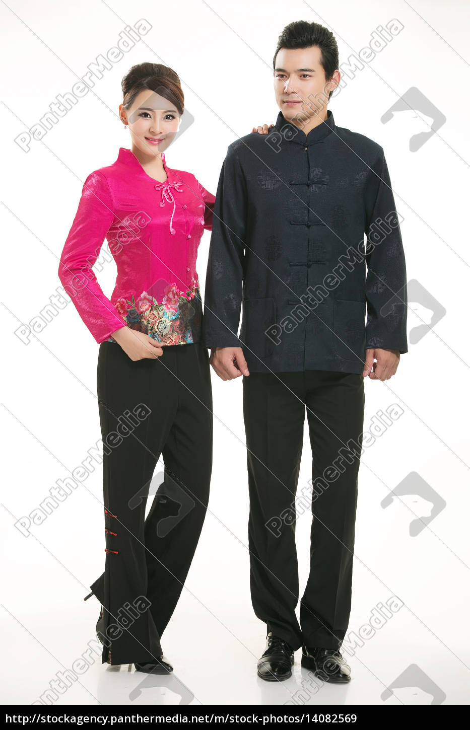 wearing, chinese, clothing, waiter, in, front - 14082569