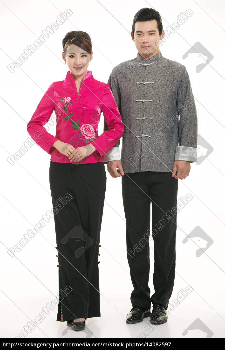 wearing, chinese, clothing, waiter, in, front - 14082597