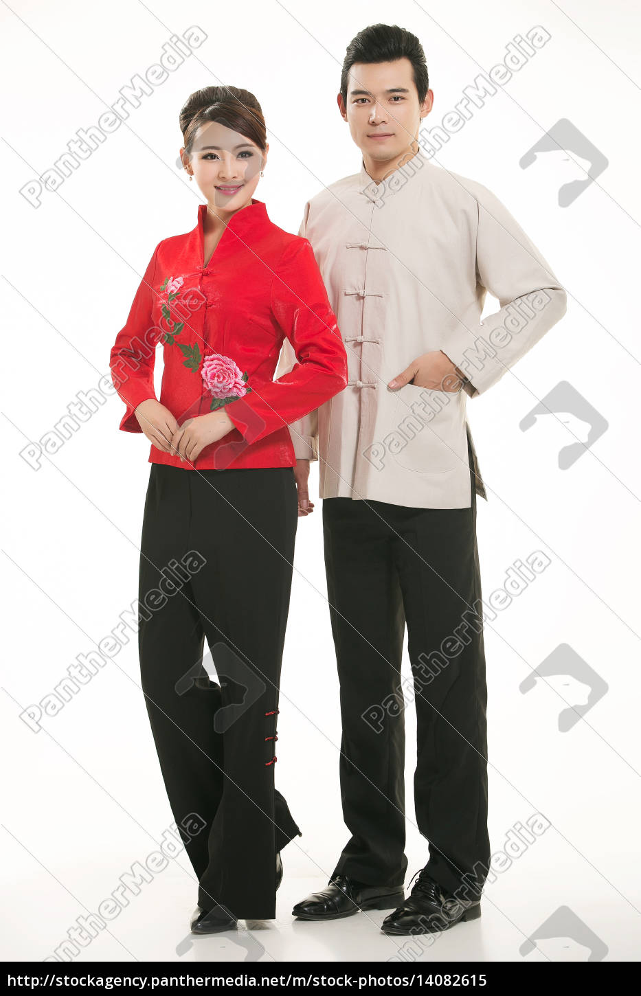 wearing, chinese, clothing, waiter, in, front - 14082615