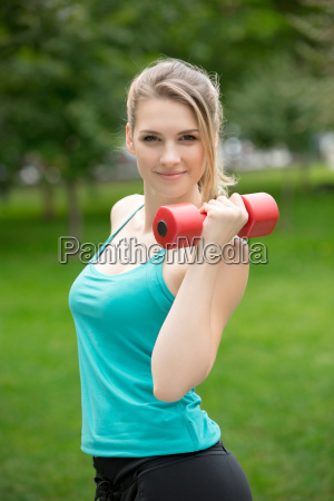sports, girl, exercise, with, dumbbells, in - 14084147