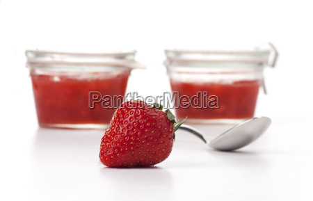 strawberry, spoon, and, jam, on, white - 14085431