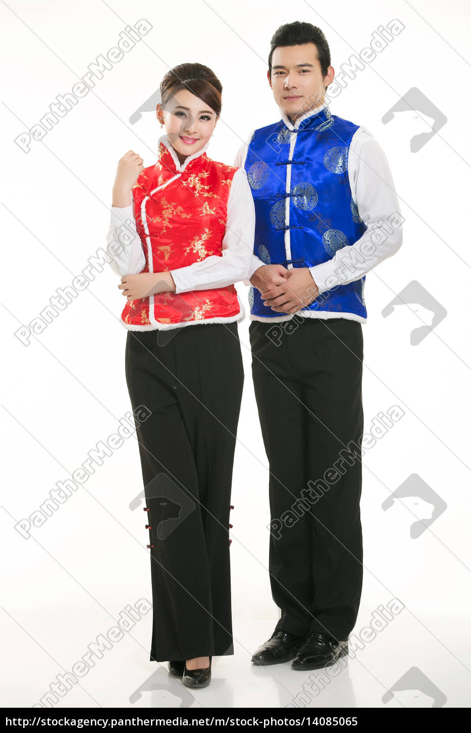 wearing, chinese, clothing, waiter, in, front - 14085065
