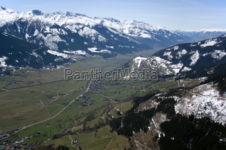pinzgau, austria - 14086999