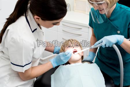 dottore medico donna donne strumenti attrezzi