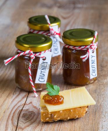 onion, pineapple, chutney, on, rustic, wood - 14089761