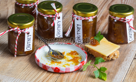 onion, pineapple, chutney, on, rustic, wood - 14089769