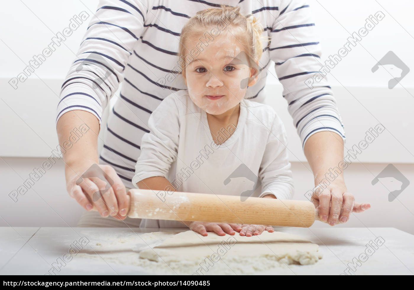 , teamwork, kneading, dough - 14090485