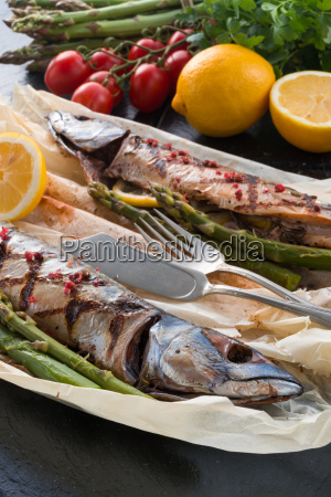 grilled, mackerel, with, asparagus - 14092293