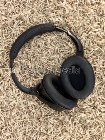 headphones - 14092933