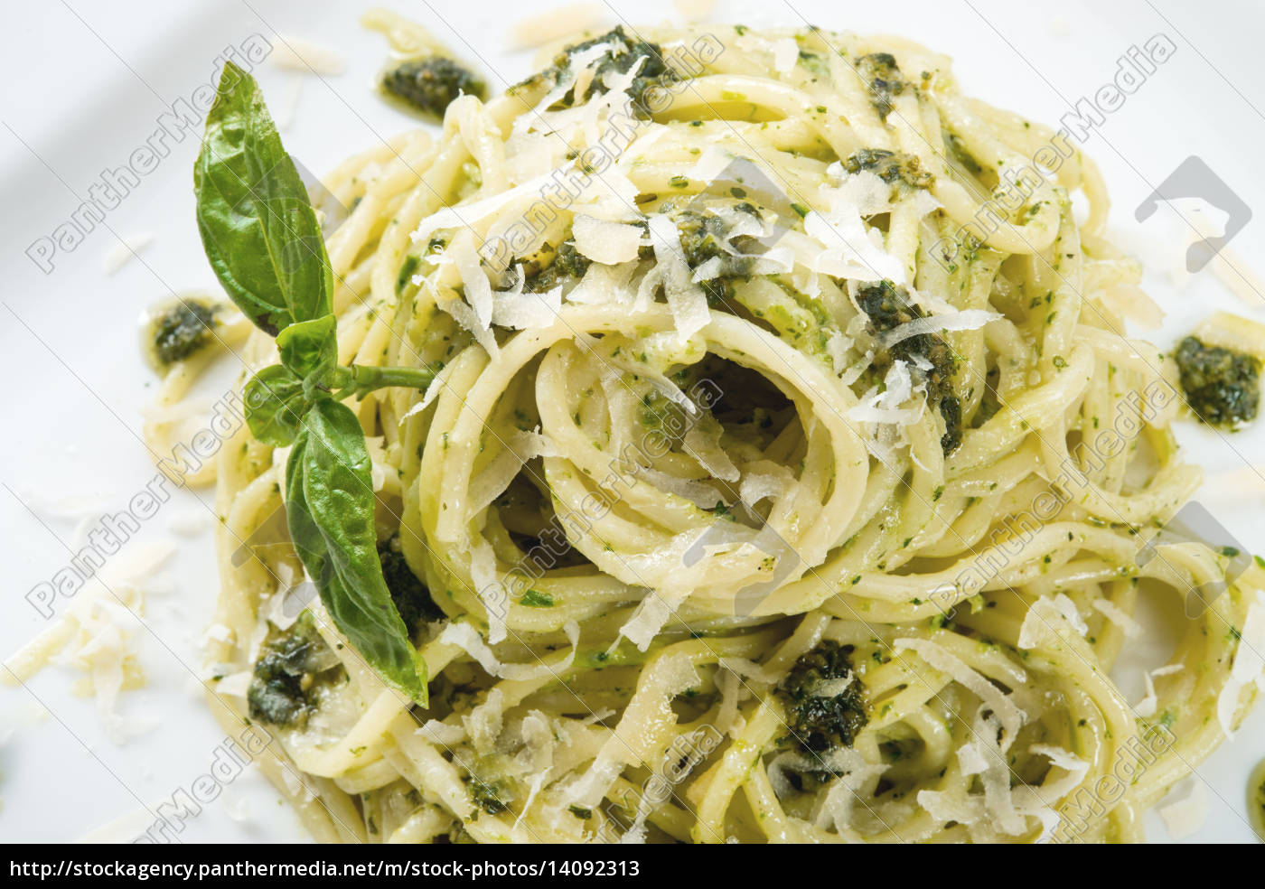 pasta, with, pesto, alla, genovese - 14092313
