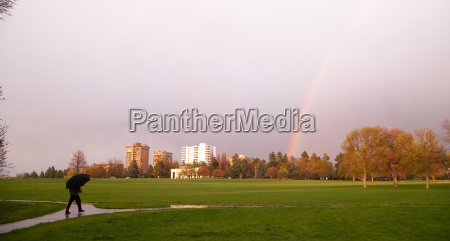 rainbow, appears, over, park, during, thunderstorm - 14092803