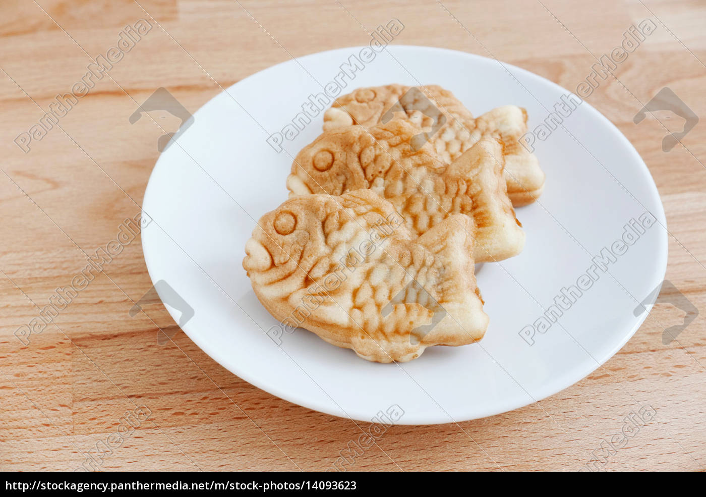 taiyaki, of, japanese, traditional, baked, sweets - 14093623