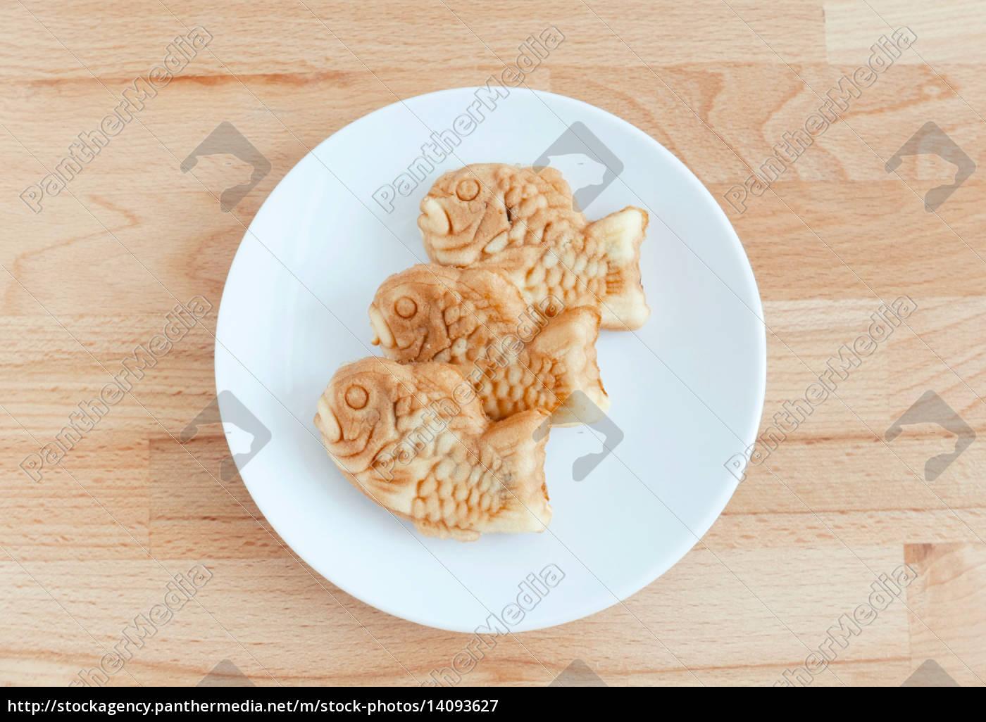 taiyaki, of, japanese, traditional, baked, sweets - 14093627