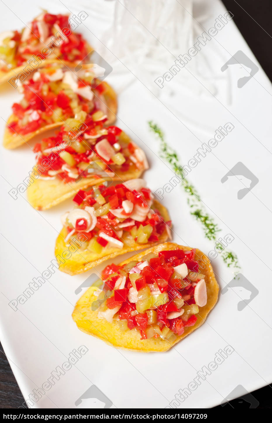 potato, chips, with, vegetables - 14097209