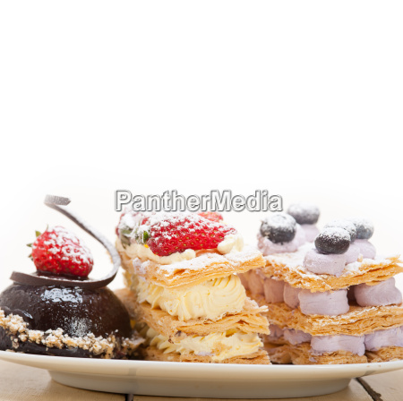 selection, of, fresh, cream, cake, dessert - 14097723
