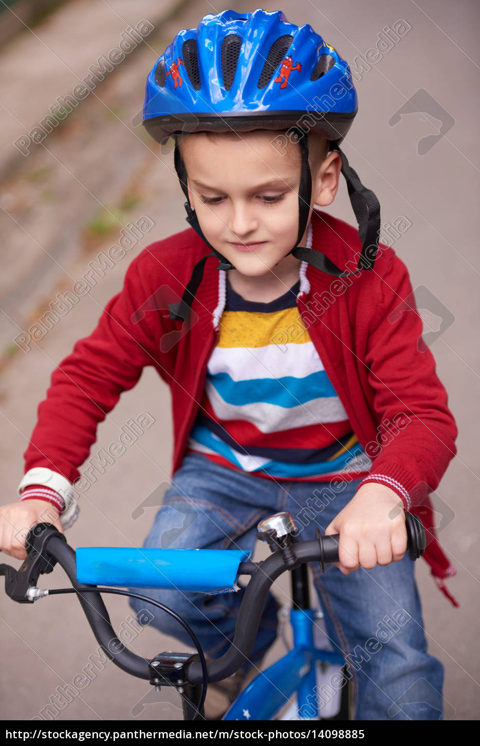 boy, on, the, bicycle, at, park - 14098885