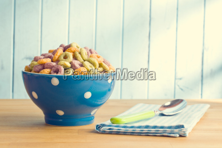 colorful, cereal, rings, in, bowl - 14098173