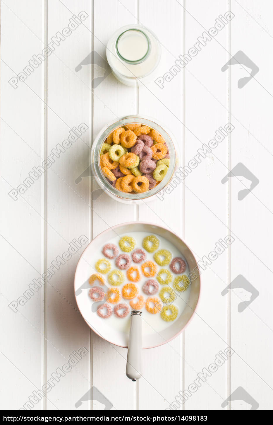 milk, with, fruity, cereal, rings - 14098183
