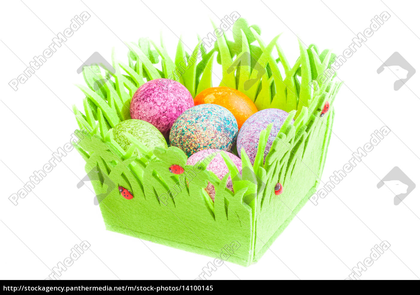 easter, eggs, in, a, basket, isolated - 14100145