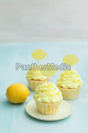 lemon, cupcakes - 14101537