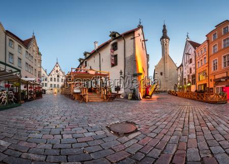 tallinn town hall and olde hansa