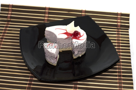 the made an incision white cake