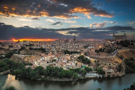 panoramic view of toledo at dusk