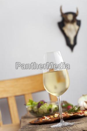 white wine and flammkuchen