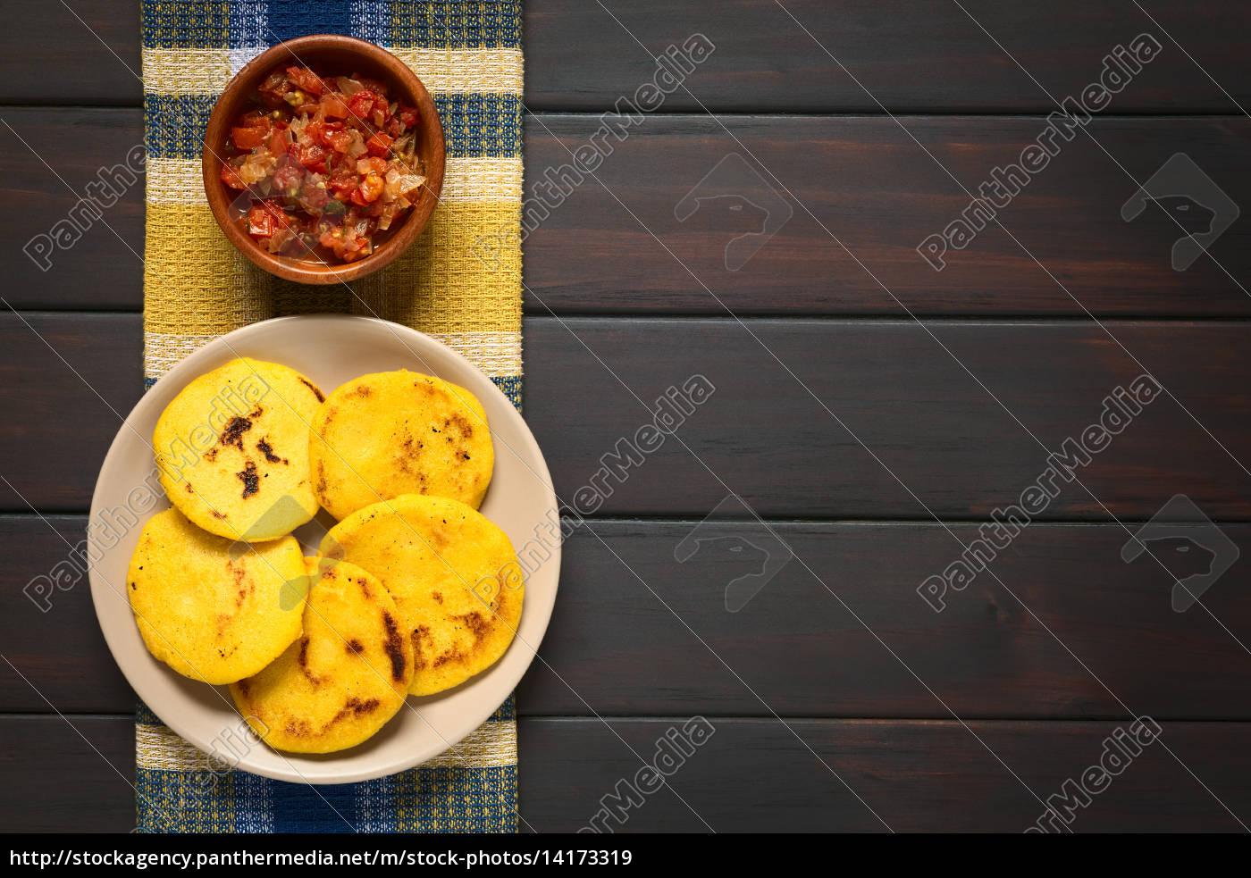 colombian, arepa, with, hogao, sauce - 14173319