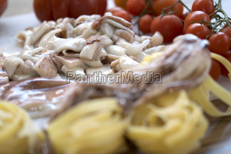 tagliatelle with calamari and tomatoes