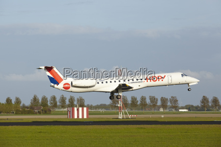 amsterdam airport schiphol embraer 145