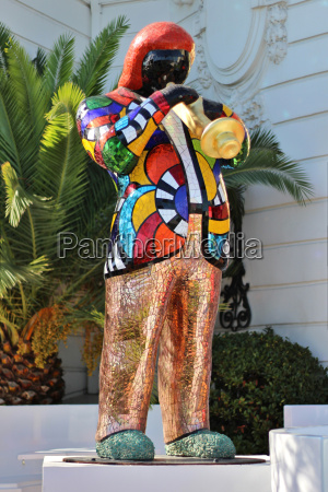 trumpeter mosaic statue