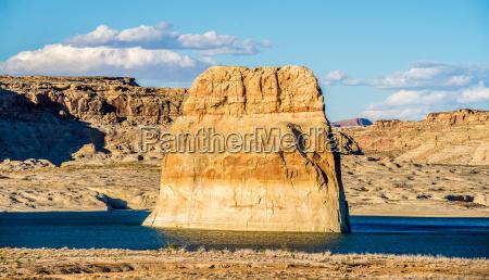 lone rock in lake powell arizona