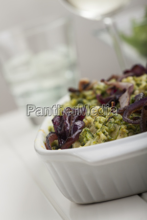 bayerische spinach spaetzle in a baking