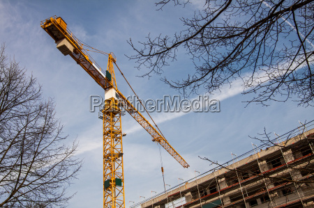 crane for construction of a multi