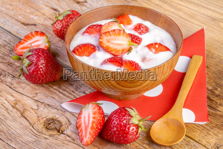 strawberry yoghurt