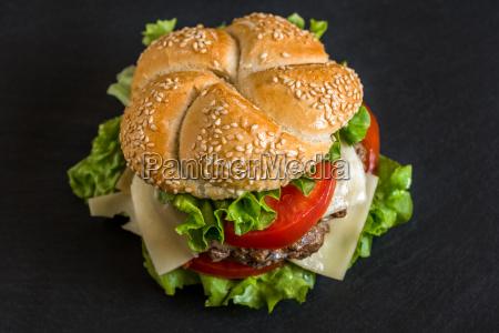 hamburger with fresh vegetables