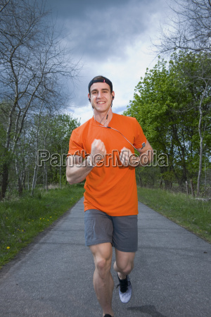 runner show the fist